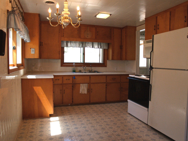 Kitchen- 781 Orbe Ct, Gladwin