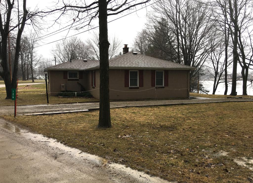 Side View- 126 Riverside Dr, Beaverton