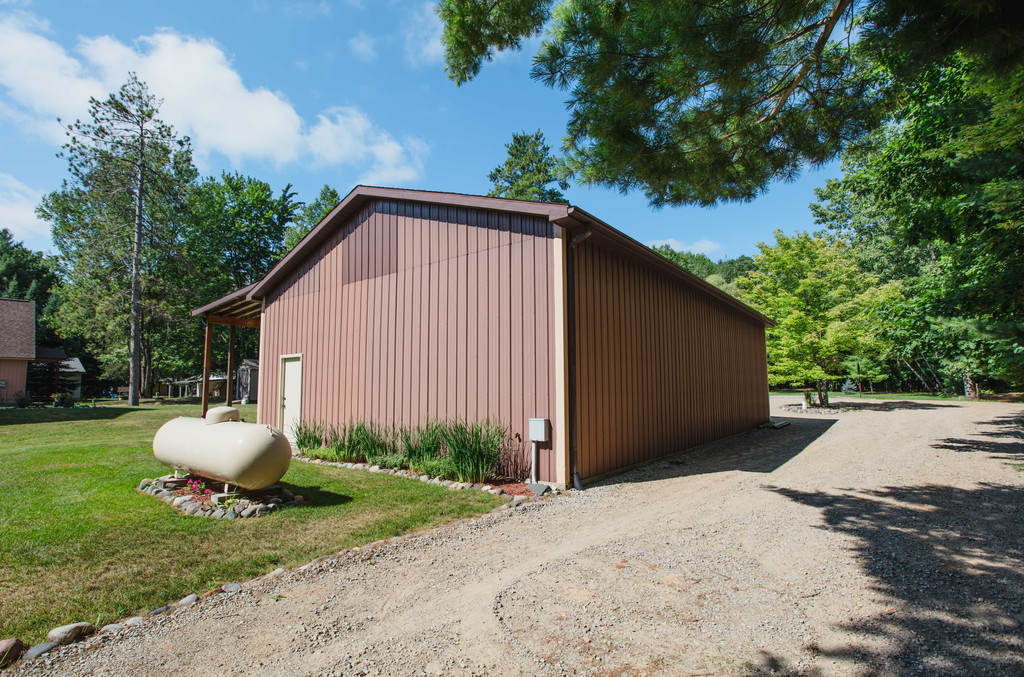 Pole Barn Exterior- 3996 Four Seasons, Gladwin