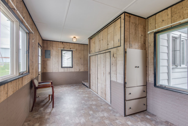 Mudroom entry - 4803 E River Freeland