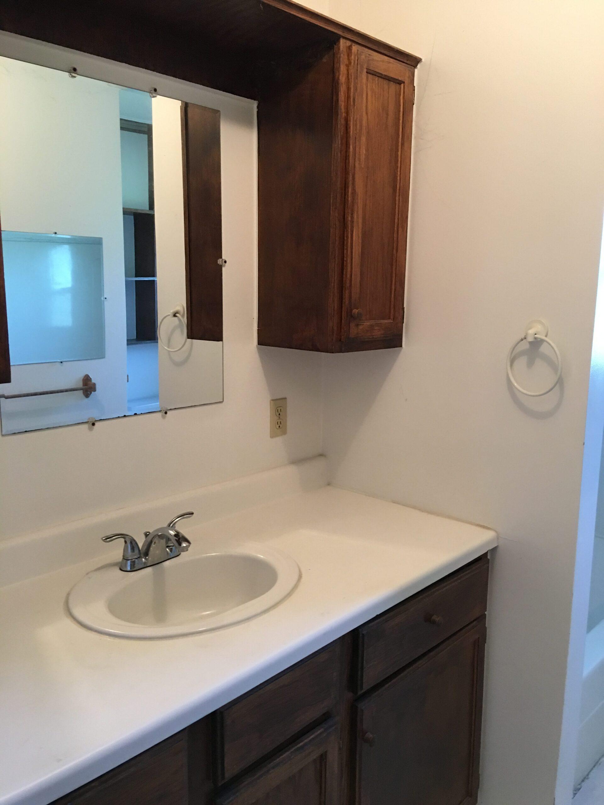 Main Bathroom- 3171 W Shearer, Coleman