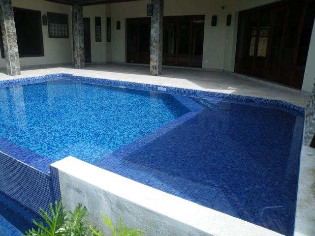 Infinity Pool- The Horseshoe