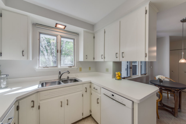 Kitchen- 3112 Valorie Lane