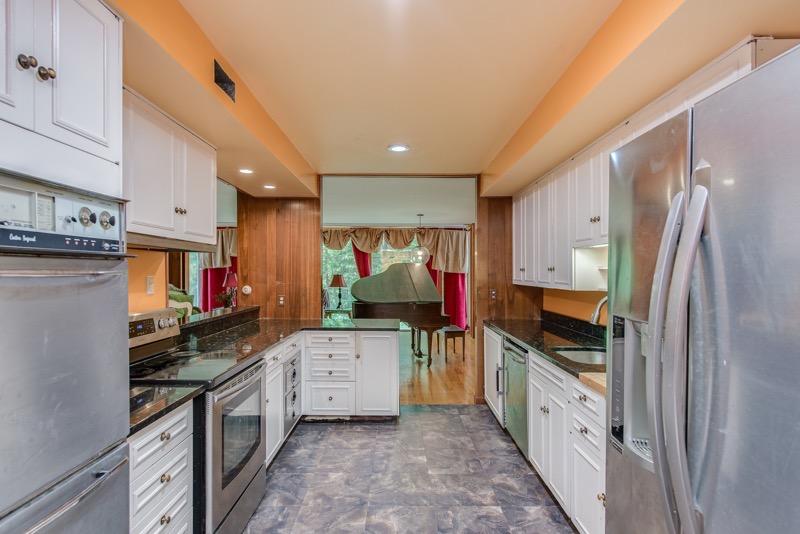 Kitchen- 500 S Antler, Gladwin