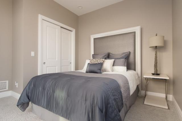 Guest Room- 9 E Main #401